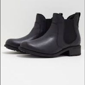 Ugg Leather Ankle Chelsea Boots Sz 5.5 Black
